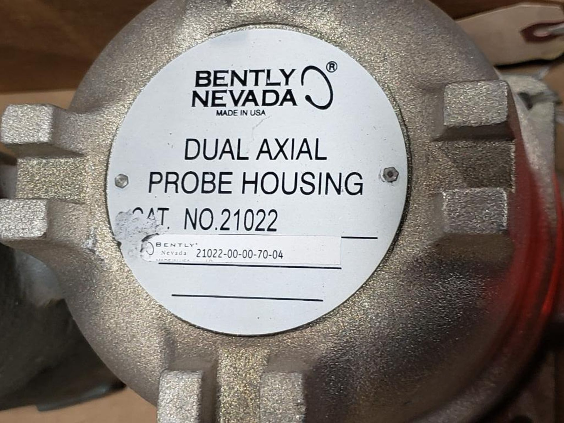 Bently Nevada Dual axial probe housing 21022-00-70-04. - Image 2 of 8