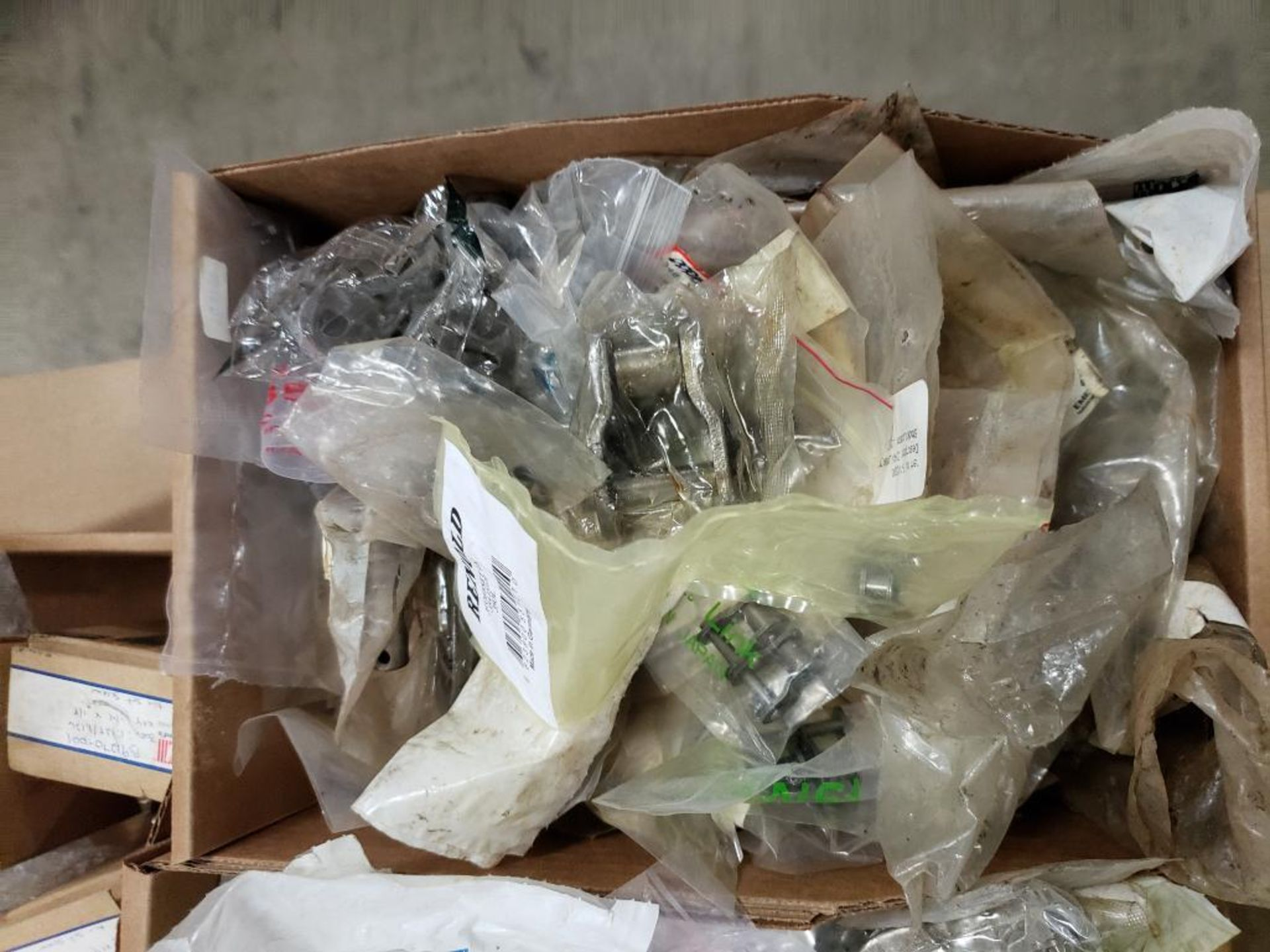 1/2 Pallet of assorted parts. Gears, pulleys, clamps, rings, chain links, sheeves. - Image 9 of 11