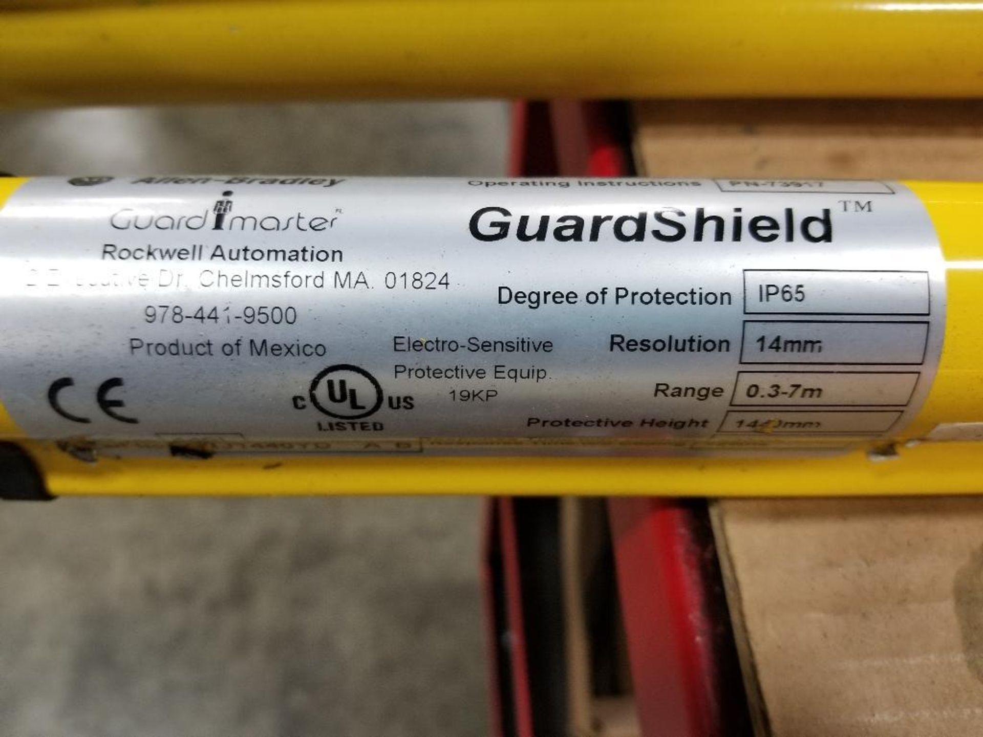 Allen Bradley Light curtain transmitter / receiver set. GuardMaster GuardShield T4J440YD 4K0AM1EF. - Image 5 of 23