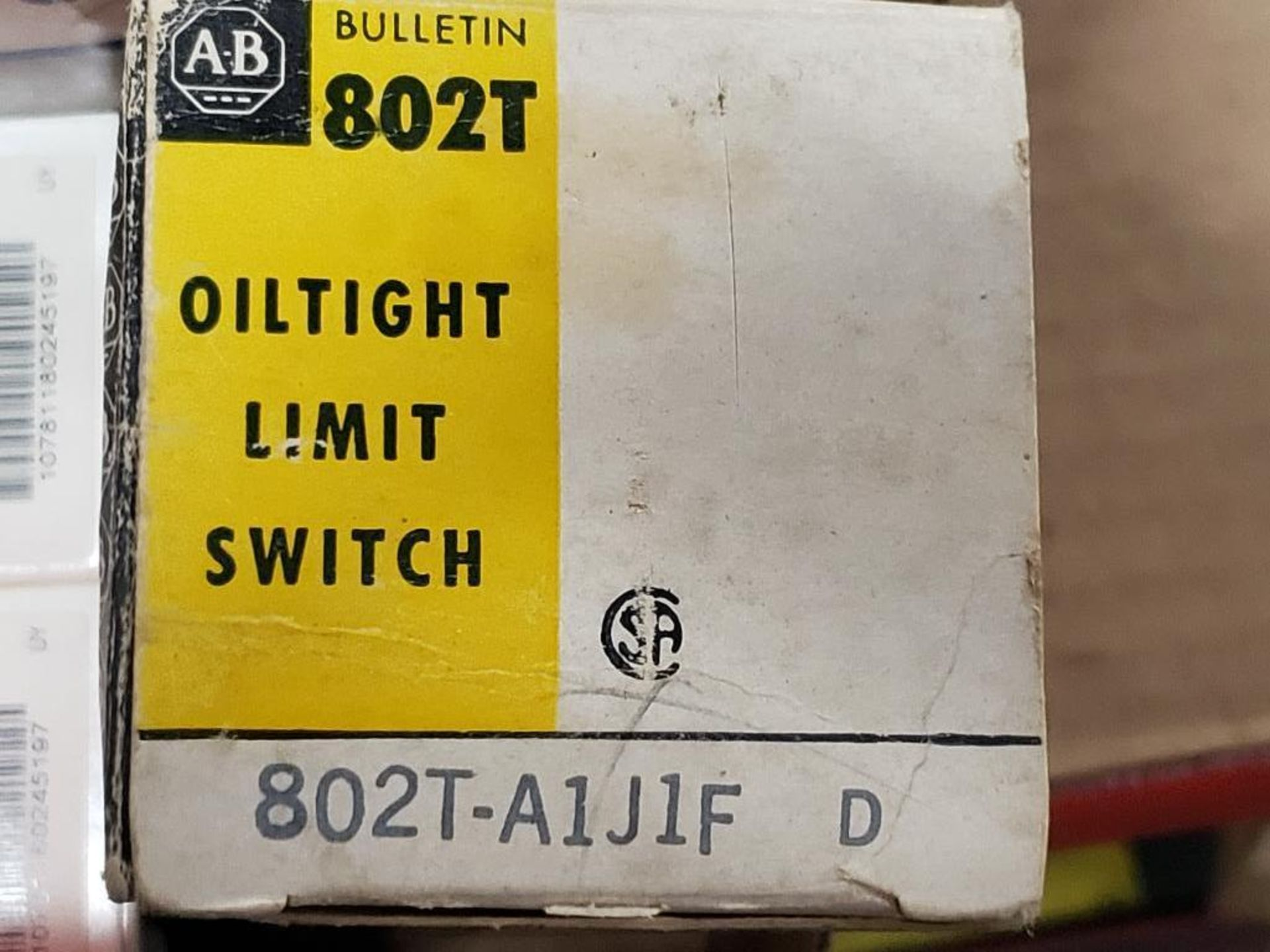 Assorted electrical relay, switches, contactor. Allen Bradley. - Image 4 of 15