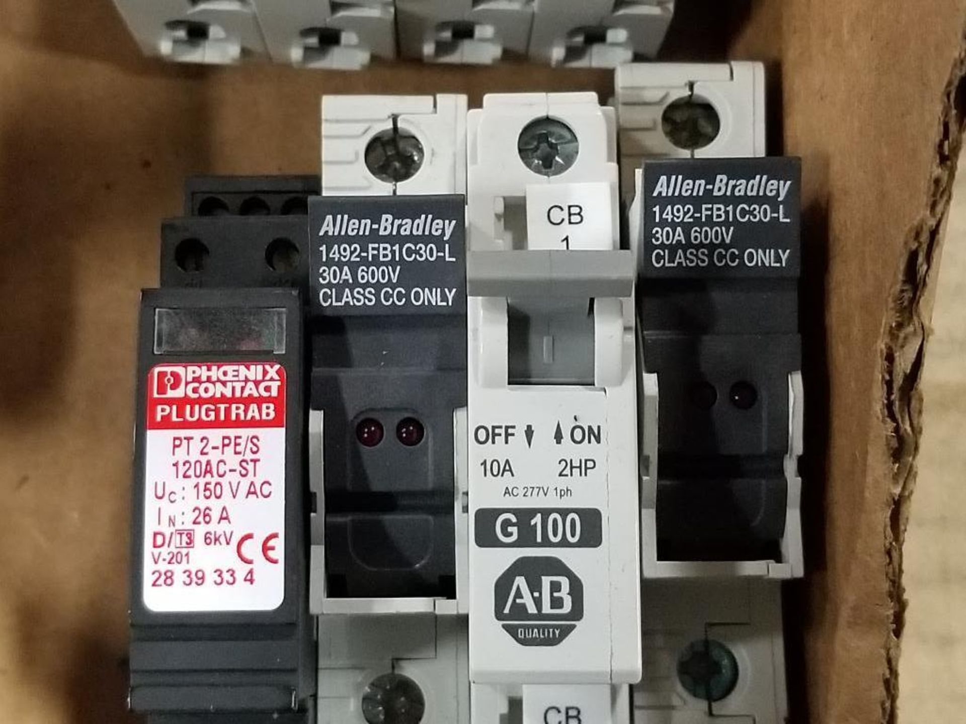 Assorted electrical fuse holder and circuit breaker. Allen Bradley, ABB, Phoenix Contact. - Image 7 of 7
