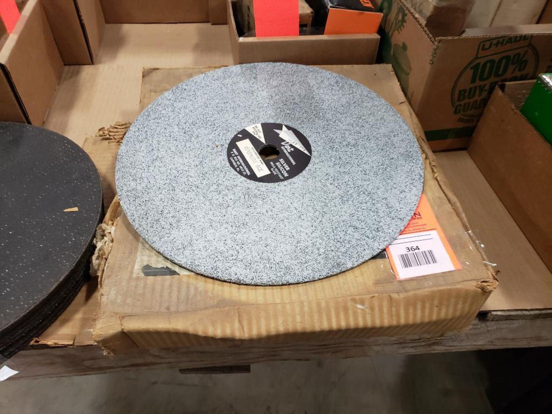 Dart International Silver Silicon break resistant grinding wheels. Versalite Ace.