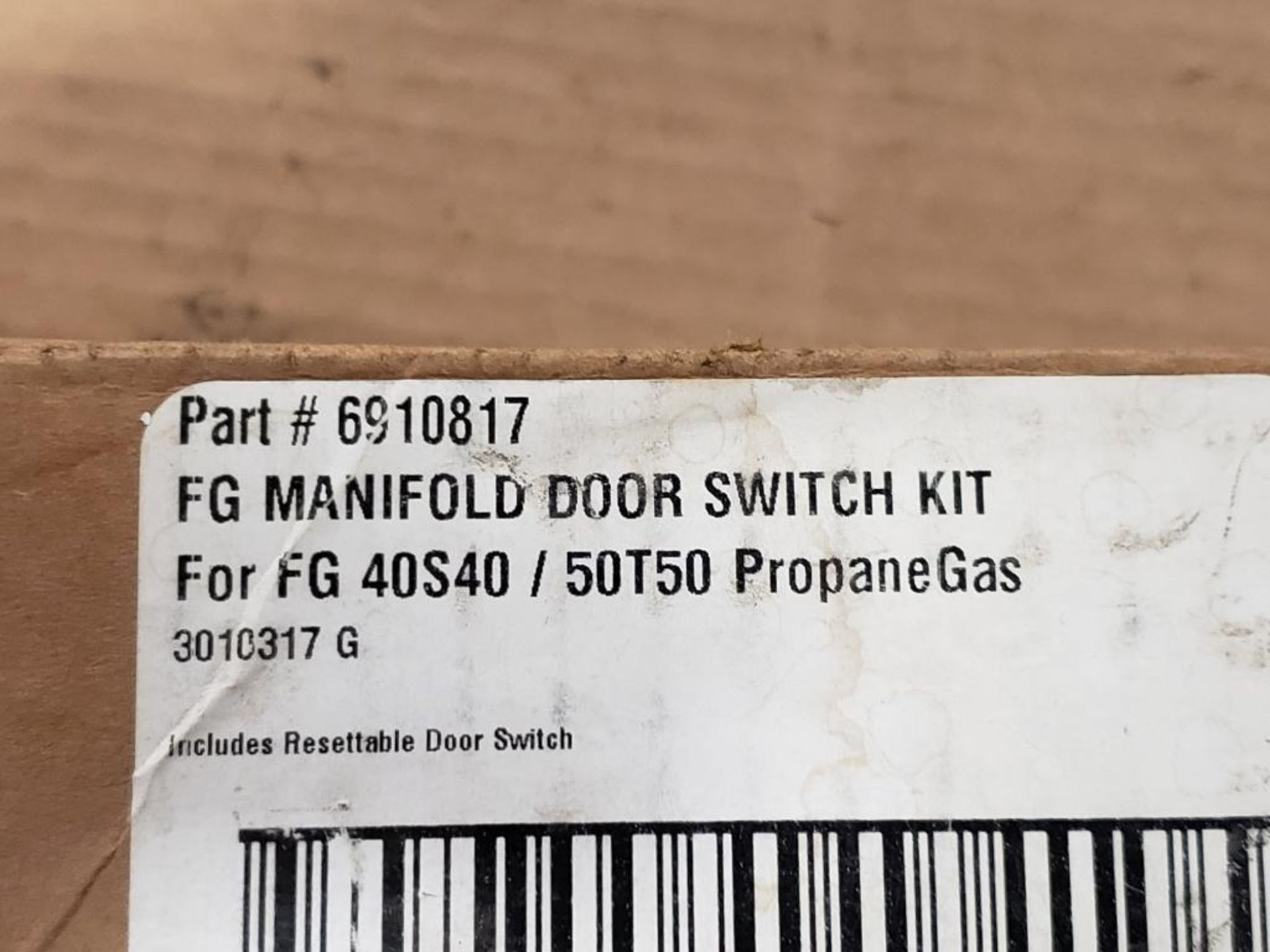 6910817 FG Manifold Door Switch Kit for FG 40S40 / 50T50 Propane Gas. - Image 2 of 3