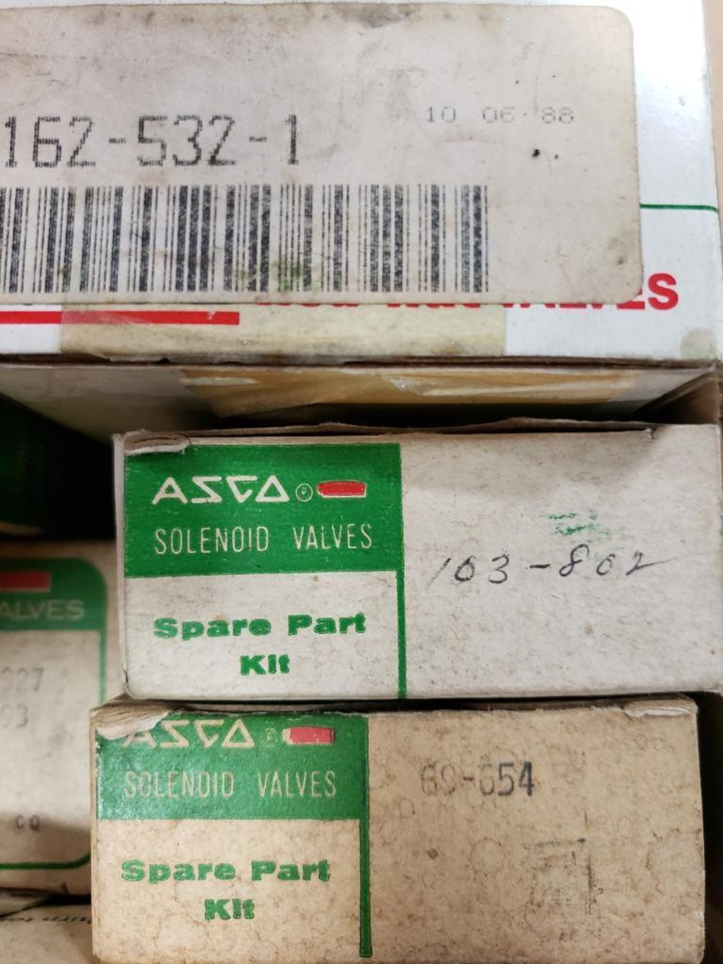 Assorted solenoid valves, and repair kits. Asco. - Image 7 of 15