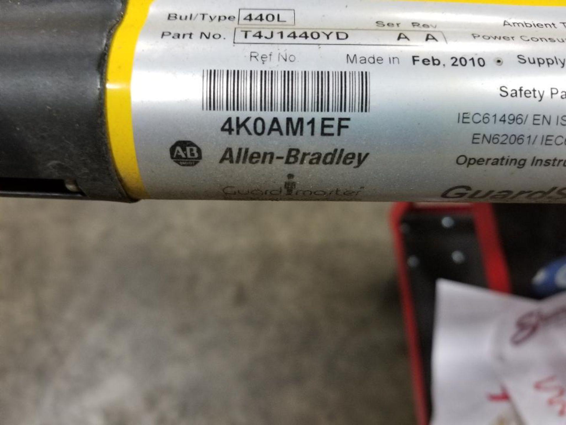 Allen Bradley Light curtain transmitter / receiver set. GuardMaster GuardShield T4J440YD 4K0AM1EF. - Image 9 of 23