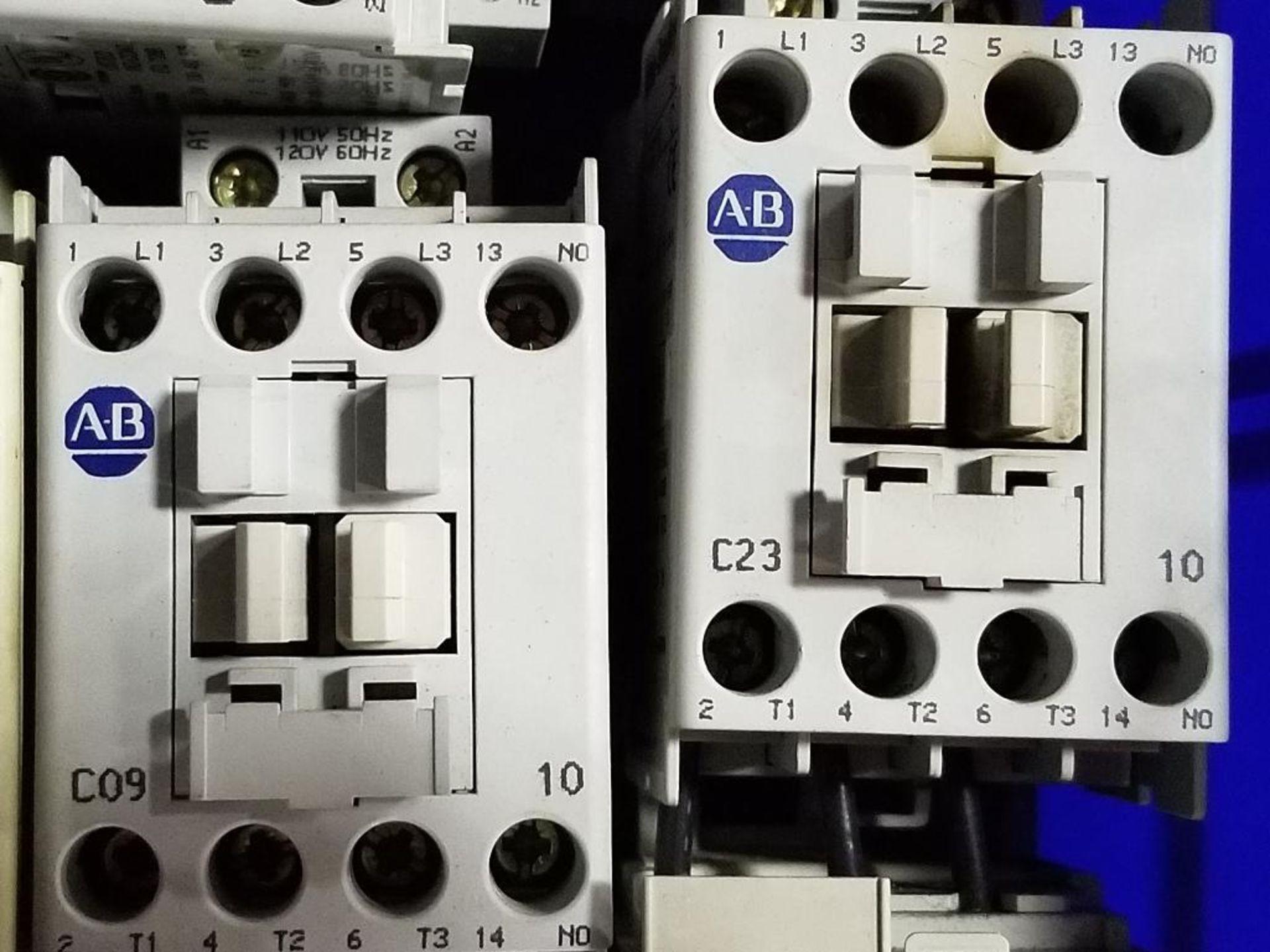 Assorted electrical contactors. Allen Bradley. - Image 7 of 11