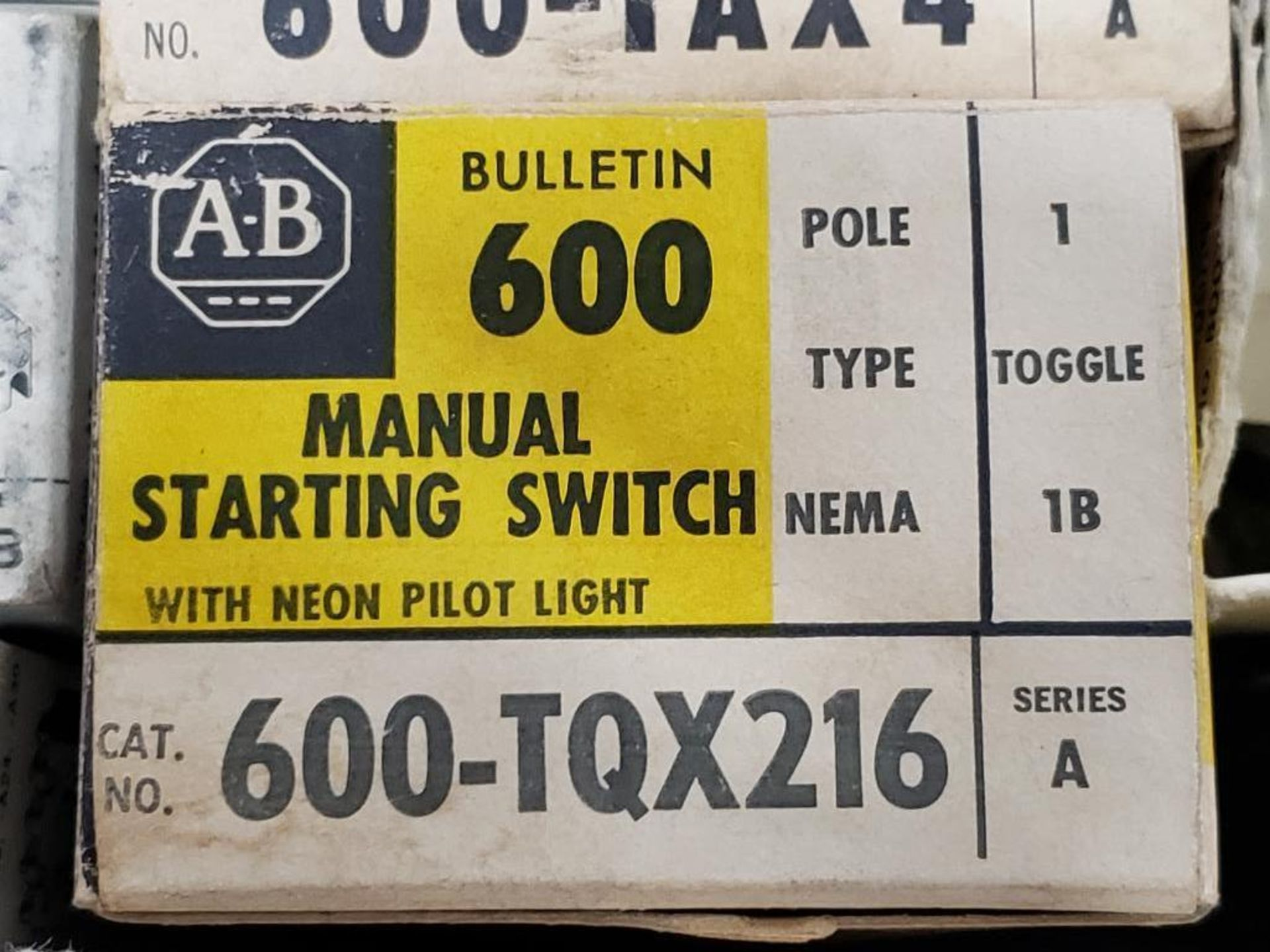 Assorted electrical relay, switches, contactor. Allen Bradley. - Image 10 of 15