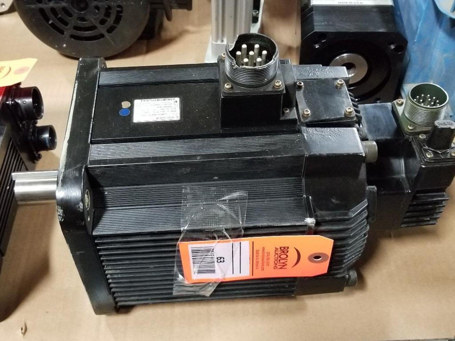 4400W Yaskawa AC Servo Motor SGMGH-44A2A-YR15. 200V, 1500RPM.