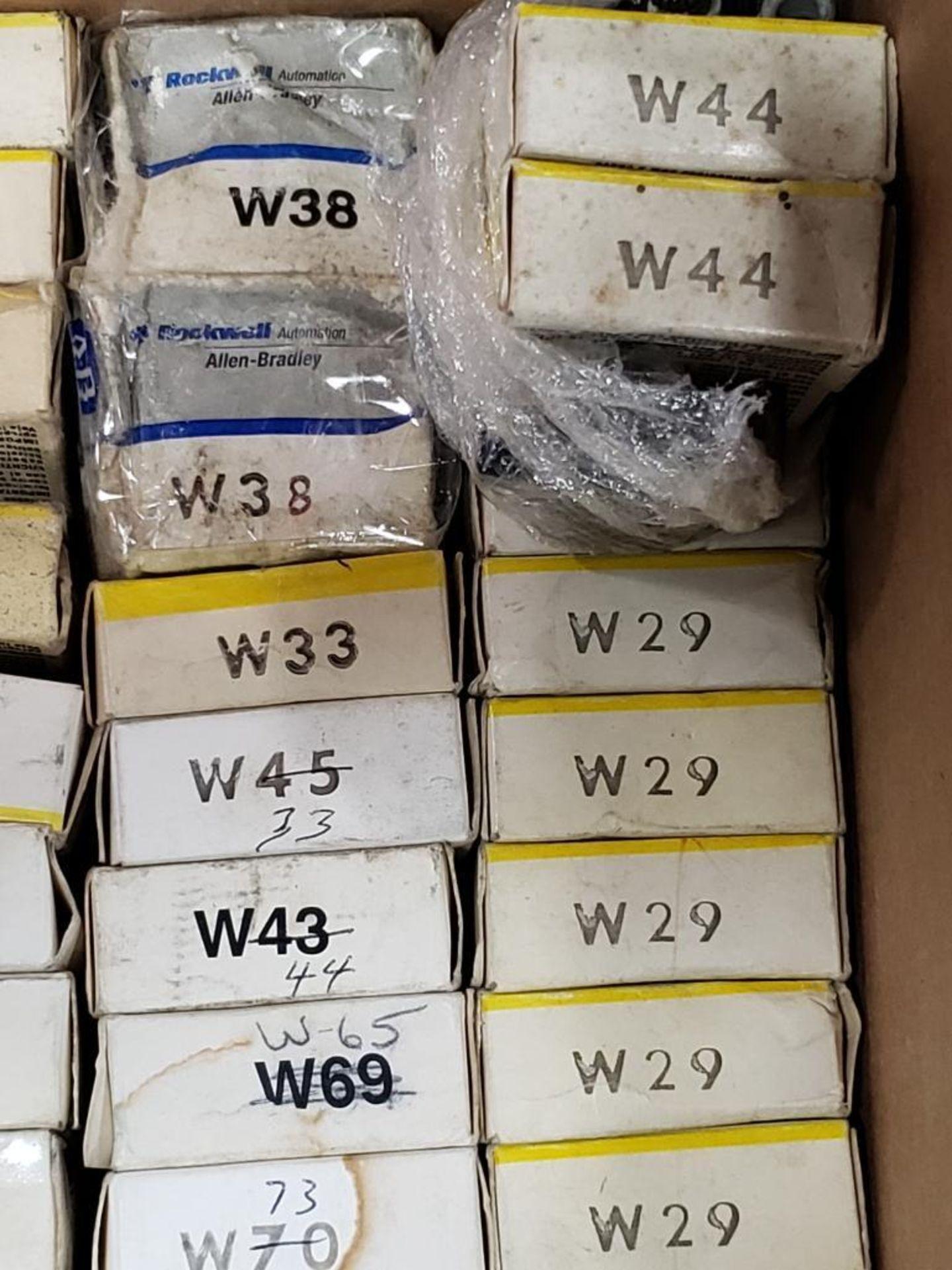 Assorted contactor heaters. Allen Bradley. - Image 5 of 6