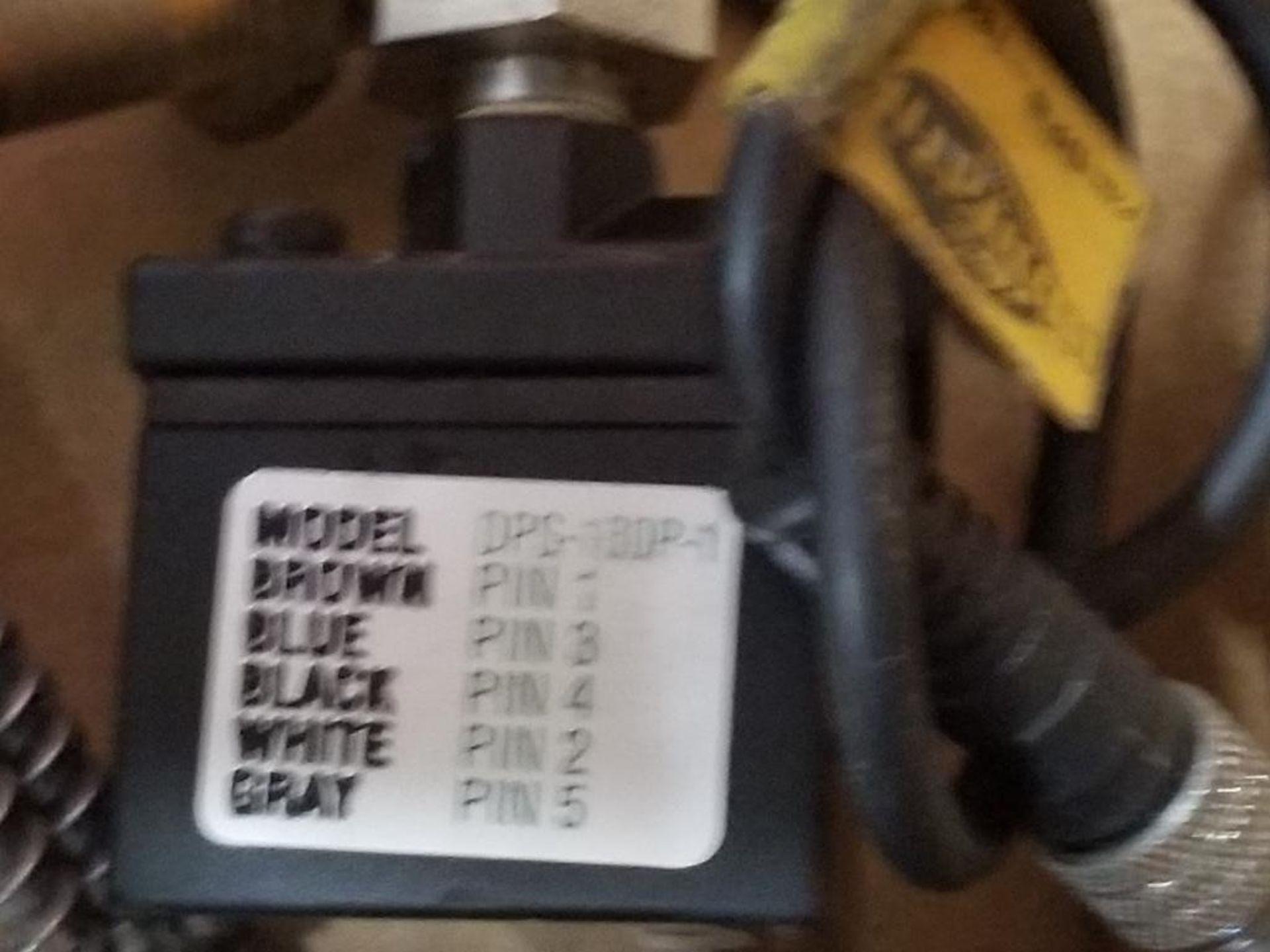 Assorted electrical. Omron, Banner, Numatics, USON. - Image 6 of 9