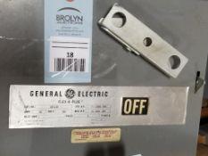 GE DE322R Fusible Flex-A-Plug switch unit. 60AMP, 240V, 3PH.