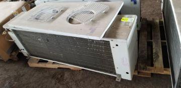 Heatcraft ACM090AEE center mount walk in cooler unit. 2 - 1/15HP, 115V, 1PH motors.