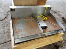 American Griddle Corp. 4FT GRDL griddle. 208/240V, 3PH. 48x34x20. LxWxH.