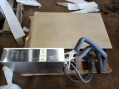 Thermodyne Foodservice Products, INC.griddle. 42x25x8. LxWxH.