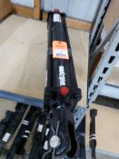 """Maxin 2500psi hydraulic cylinder. 3.5"""" bore, 20"""" stroke, 1.25"""" rod diameter. New old stock."""