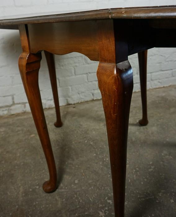Mahogany Drop Leaf Pad Foot Table, 75cm high, 152cm long, 91cm wide - Image 4 of 6