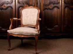 Antiques & Collectables Auction