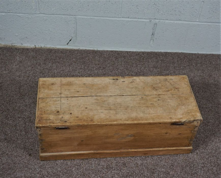 Small Pine Chest Of rectangular form - Image 5 of 5