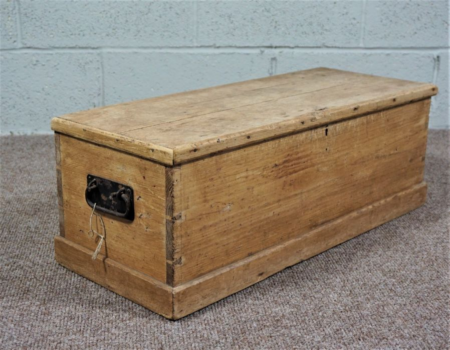 Small Pine Chest Of rectangular form - Image 4 of 5