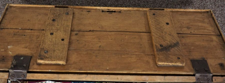 Small Pine Chest Of rectangular form - Image 3 of 5