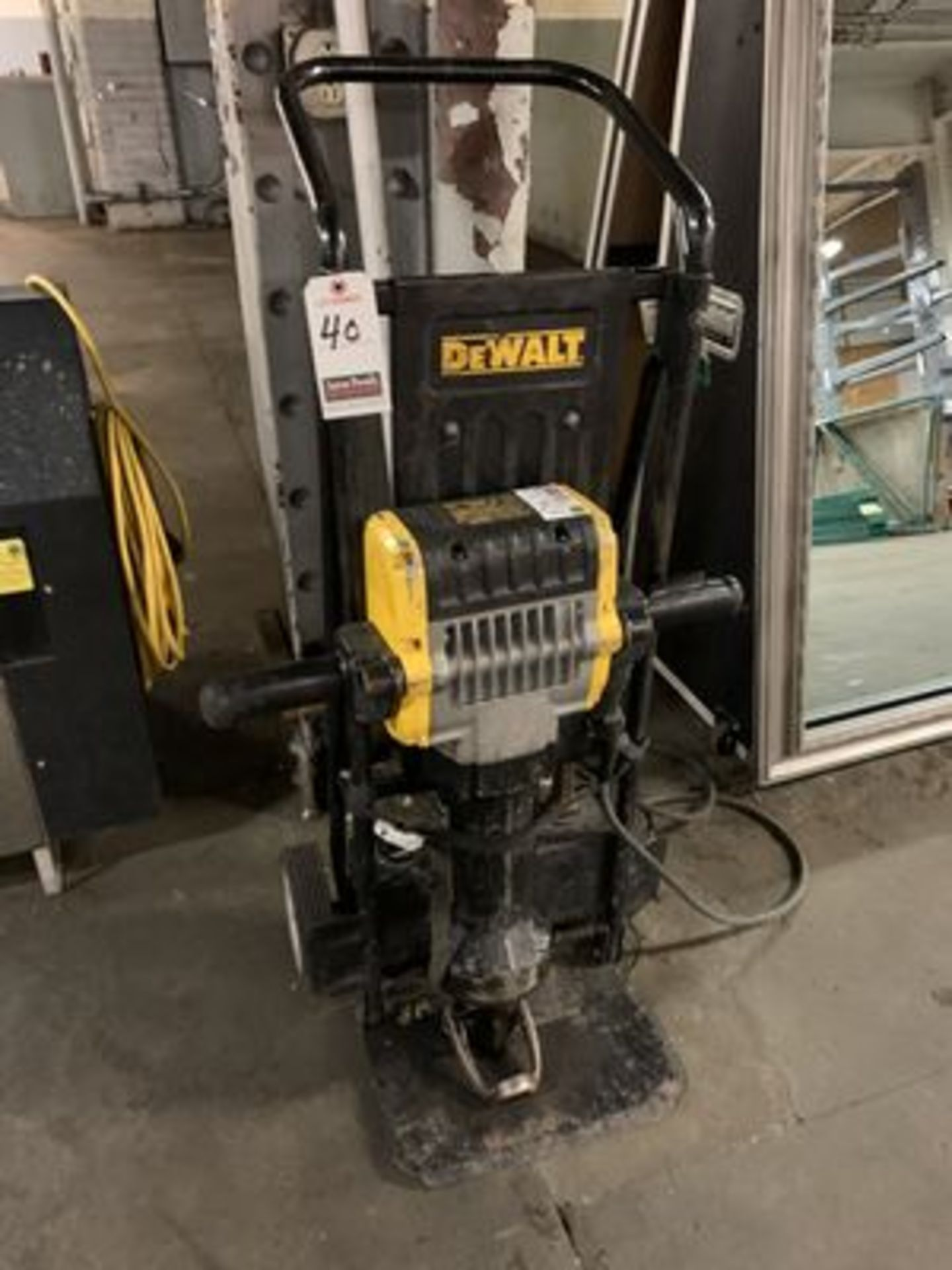 DEWALT PORT. D25980 ELEC. PAVEMENT BREAKER, 120V, 1 PH.