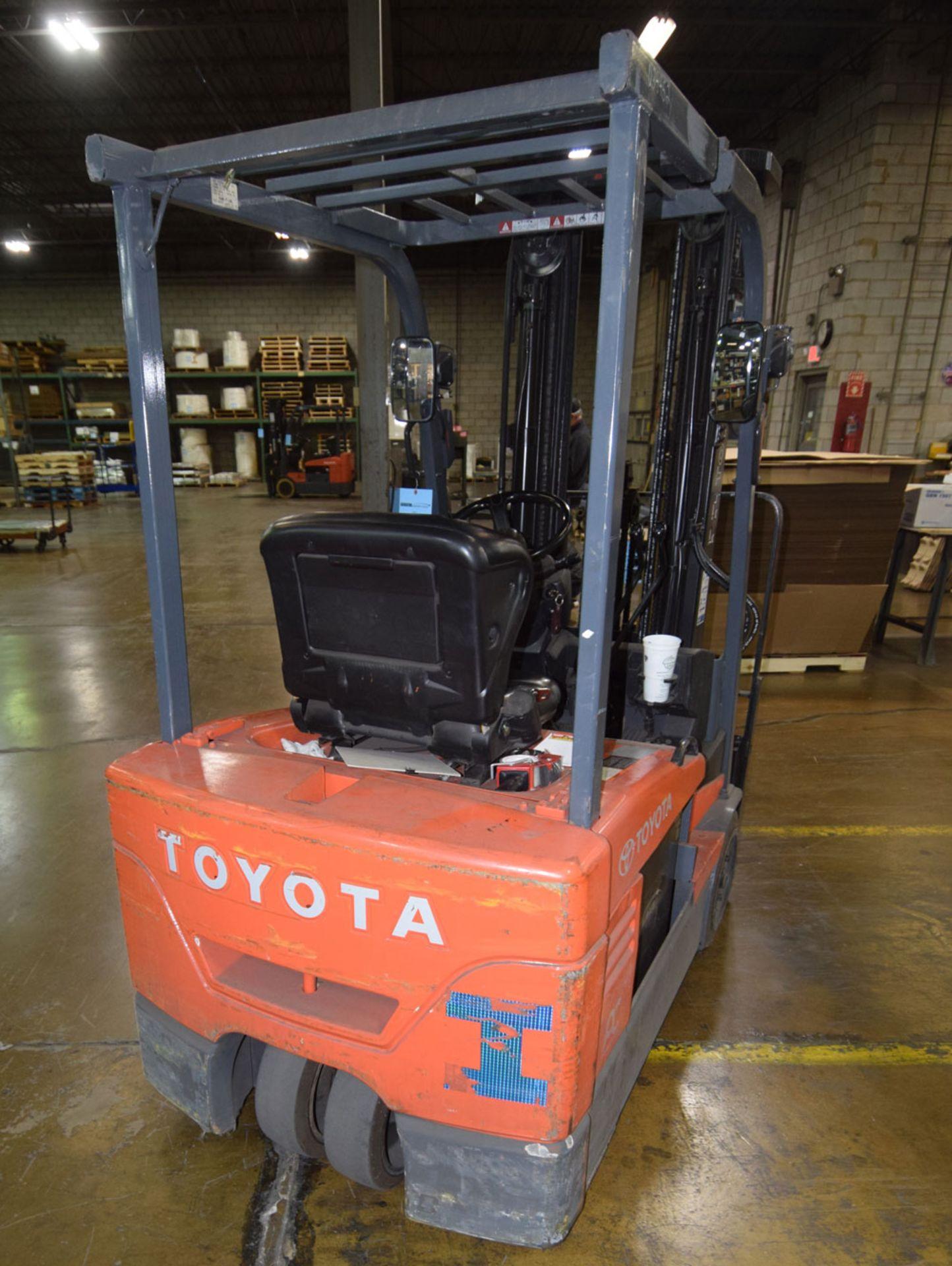 Forklift - Image 4 of 8
