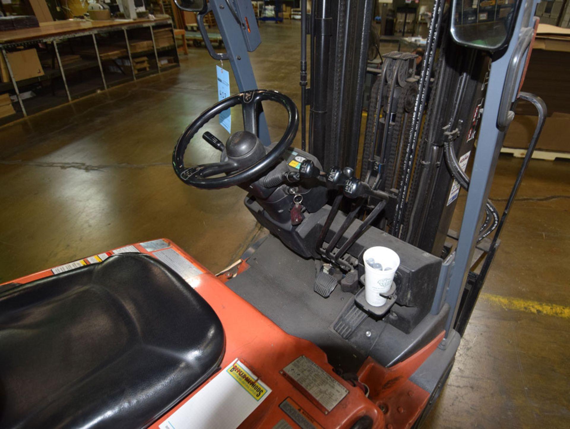 Forklift - Image 6 of 8