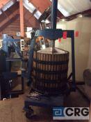 Hydraulic piston press for icewine