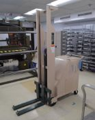 Beech Engineering & Manufacturing 12 Volt Electric Hydraulic Lift
