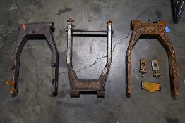 {LOT} (3) Swing Arms