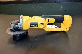 DeWalt Cordless Cut Off Tool