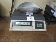 Mettler Toledo Digital Counting Scale (SOLD AS-IS - NO WARRANTY)