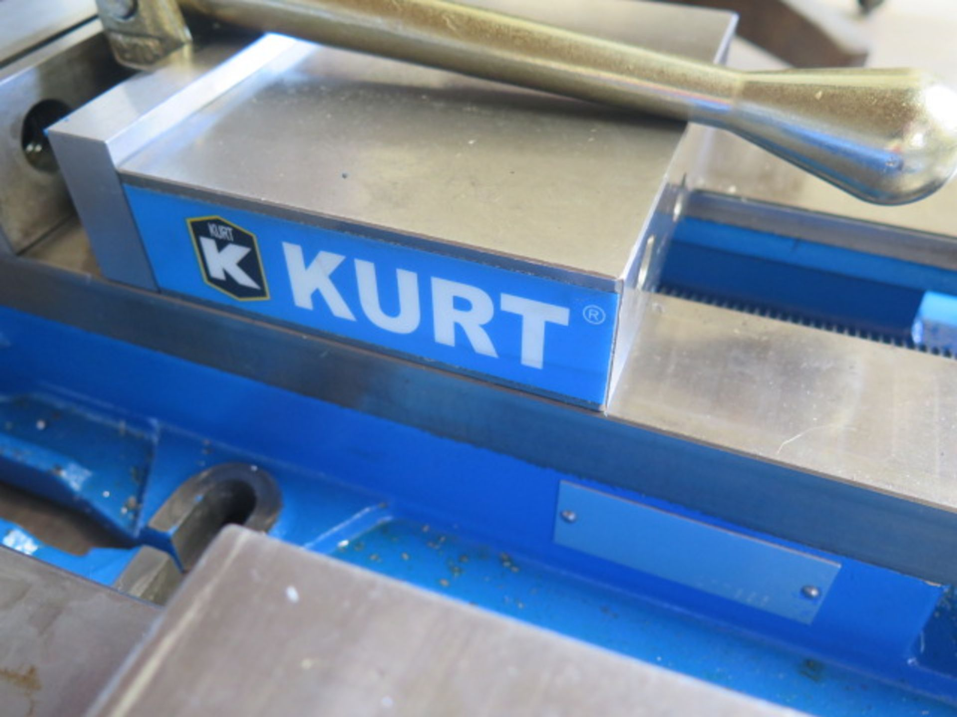 "Kurt D688 6"" Angle-Lock Vise (SOLD AS-IS - NO WARRANTY) - Image 3 of 3"