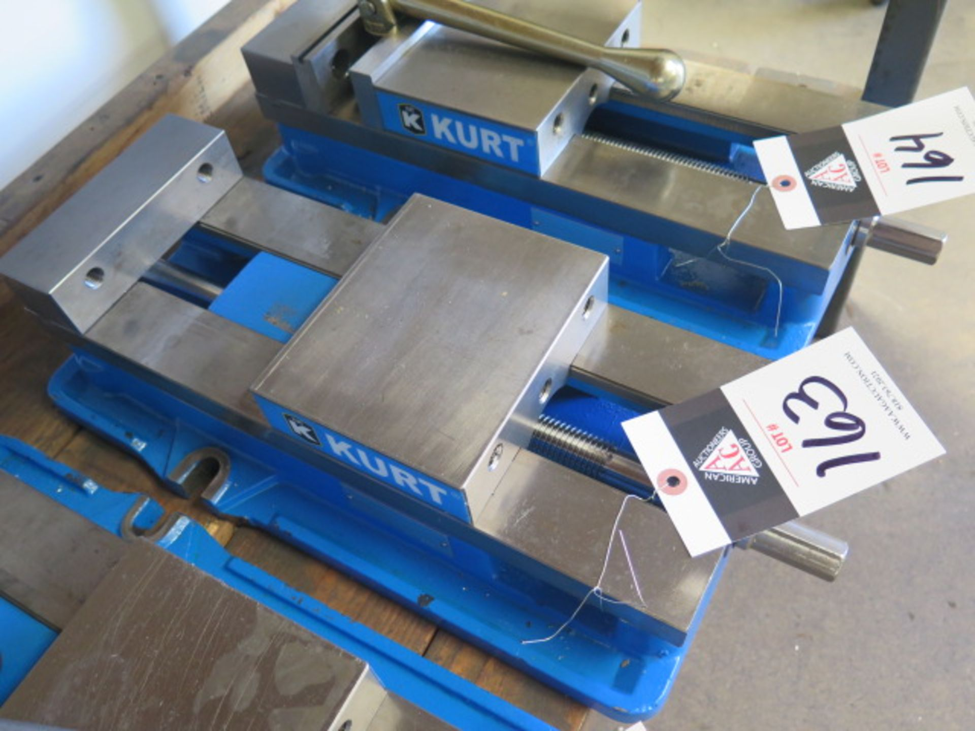 "Kurt D688 6"" Angle-Lock Vise (SOLD AS-IS - NO WARRANTY) - Image 2 of 3"