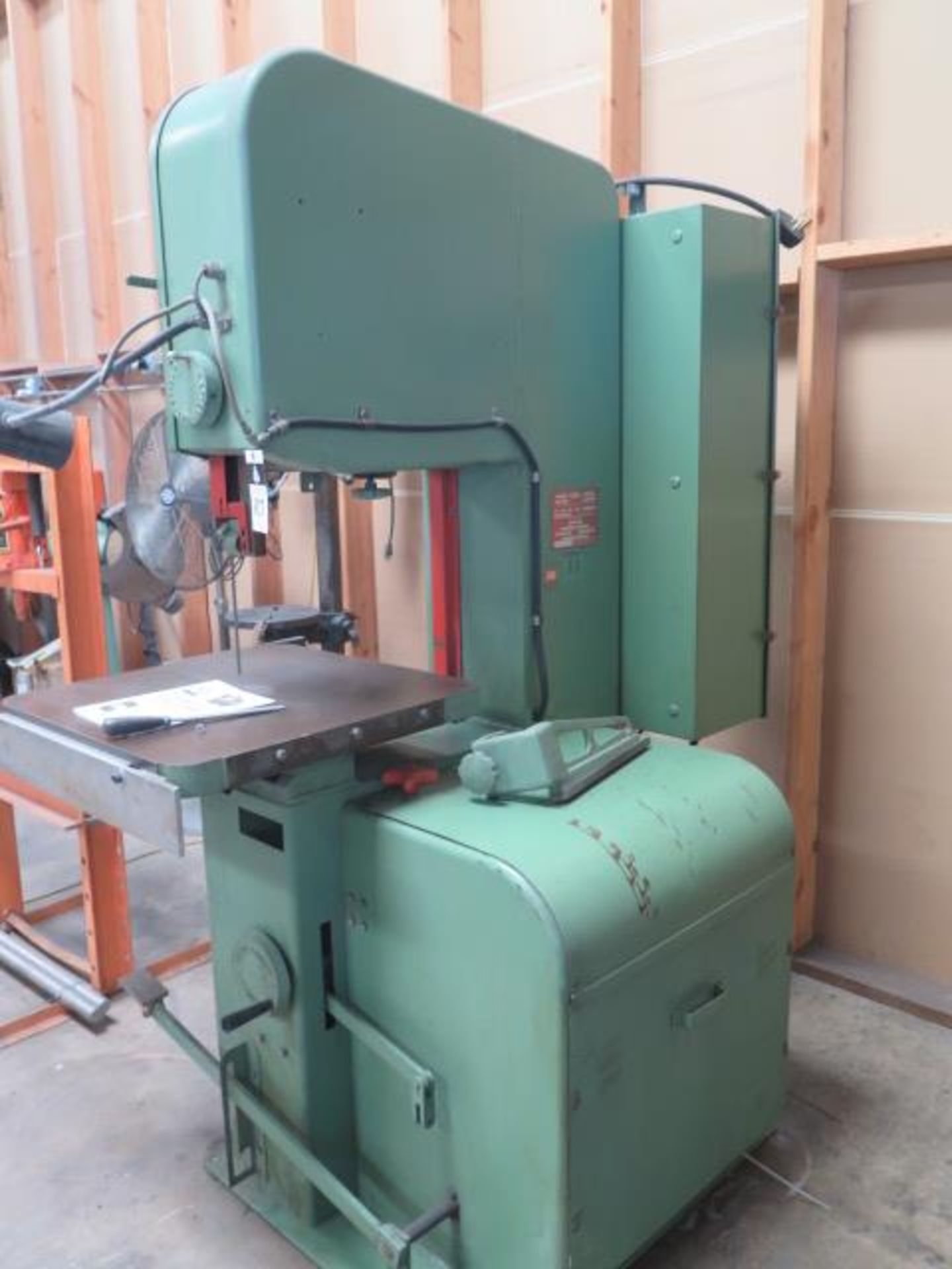 "DoAll 2013-10 20"" Vertical Band Saw s/n 377-861259 w/ Welder, 0-5200 RPM 26"" x 26"" Table, SOLD AS IS - Image 9 of 11"