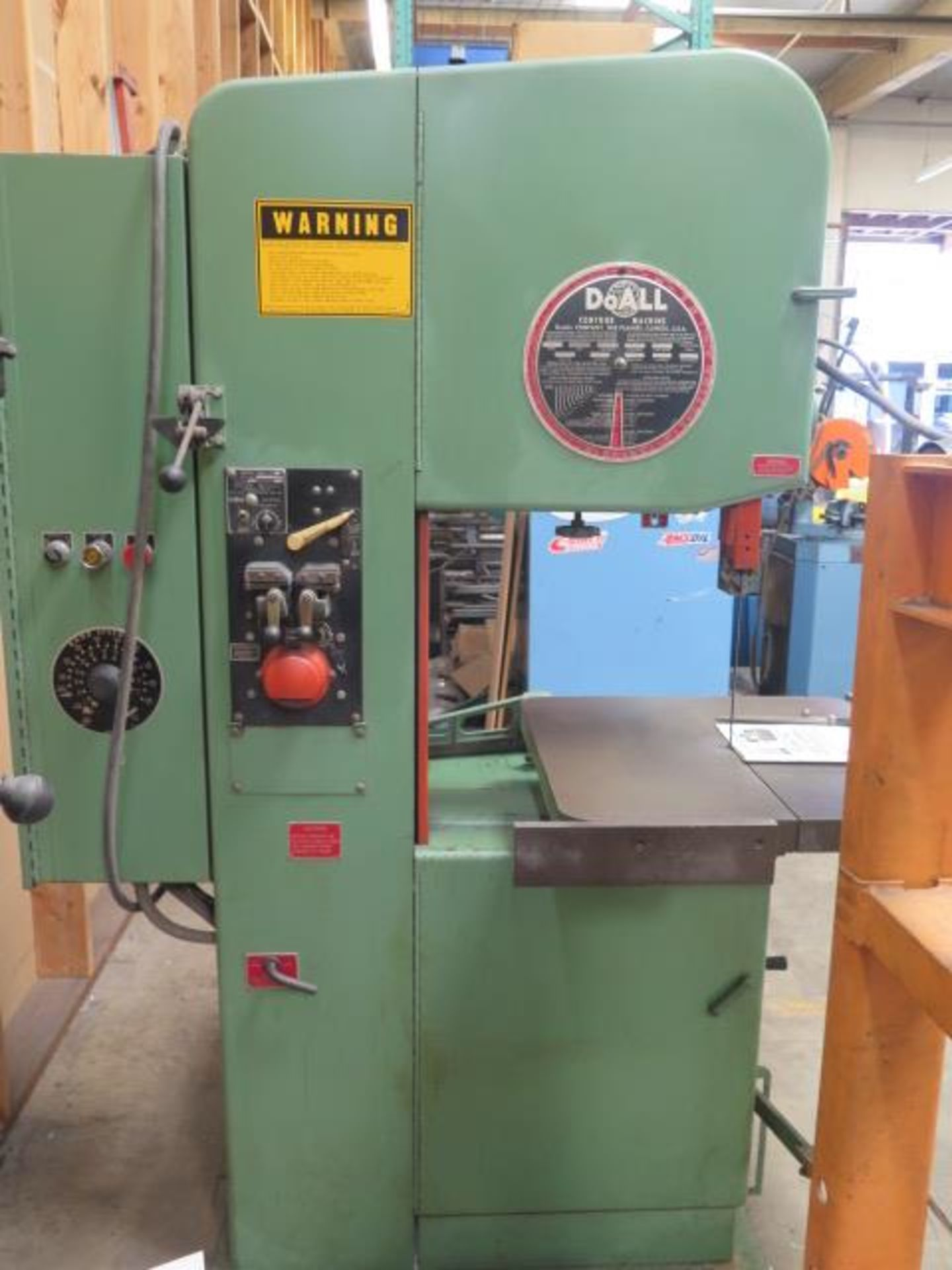 "DoAll 2013-10 20"" Vertical Band Saw s/n 377-861259 w/ Welder, 0-5200 RPM 26"" x 26"" Table, SOLD AS IS - Image 2 of 11"