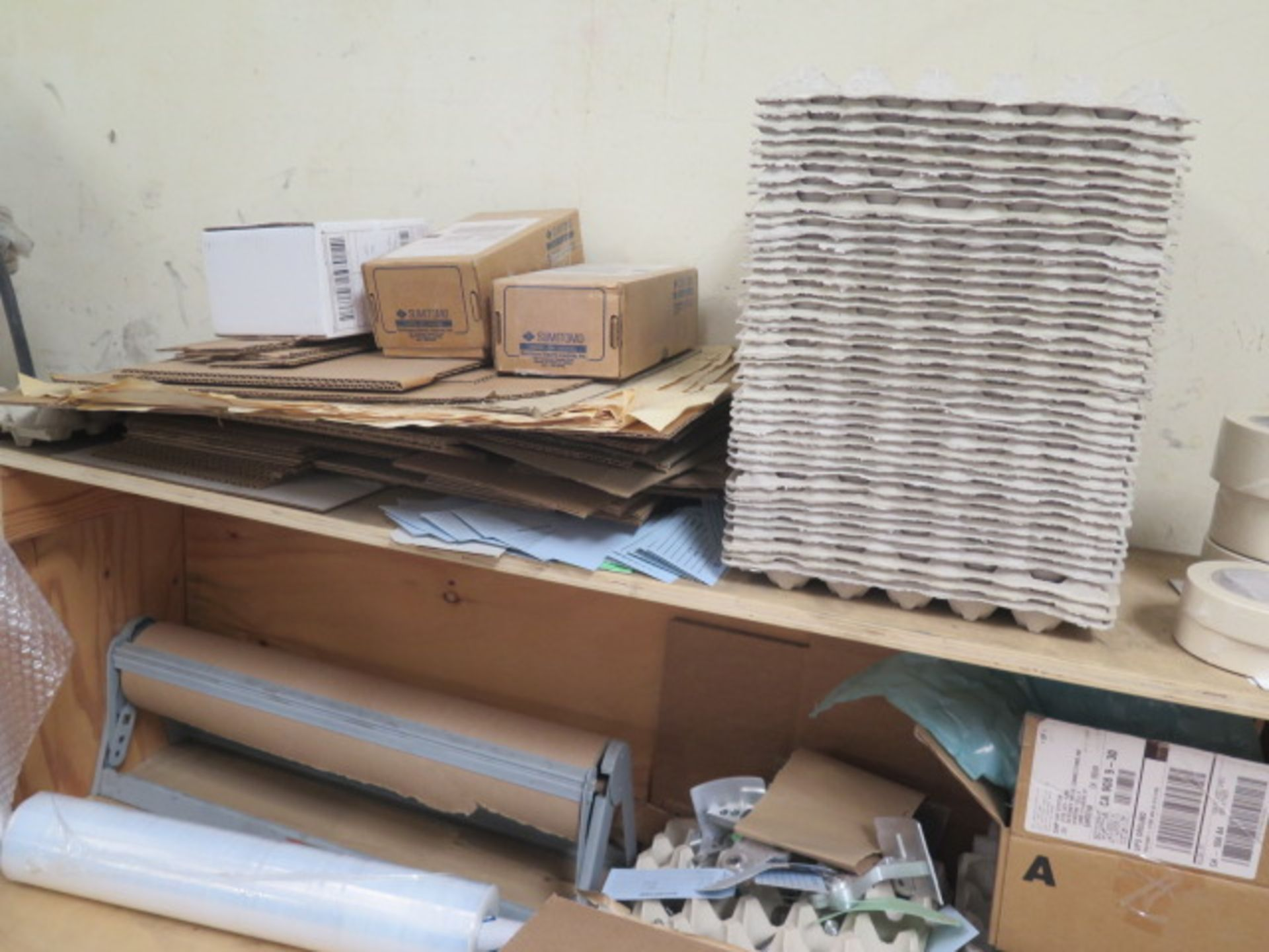 Shipping Supplies and Table (SOLD AS-IS - NO WARRANTY) - Image 4 of 5