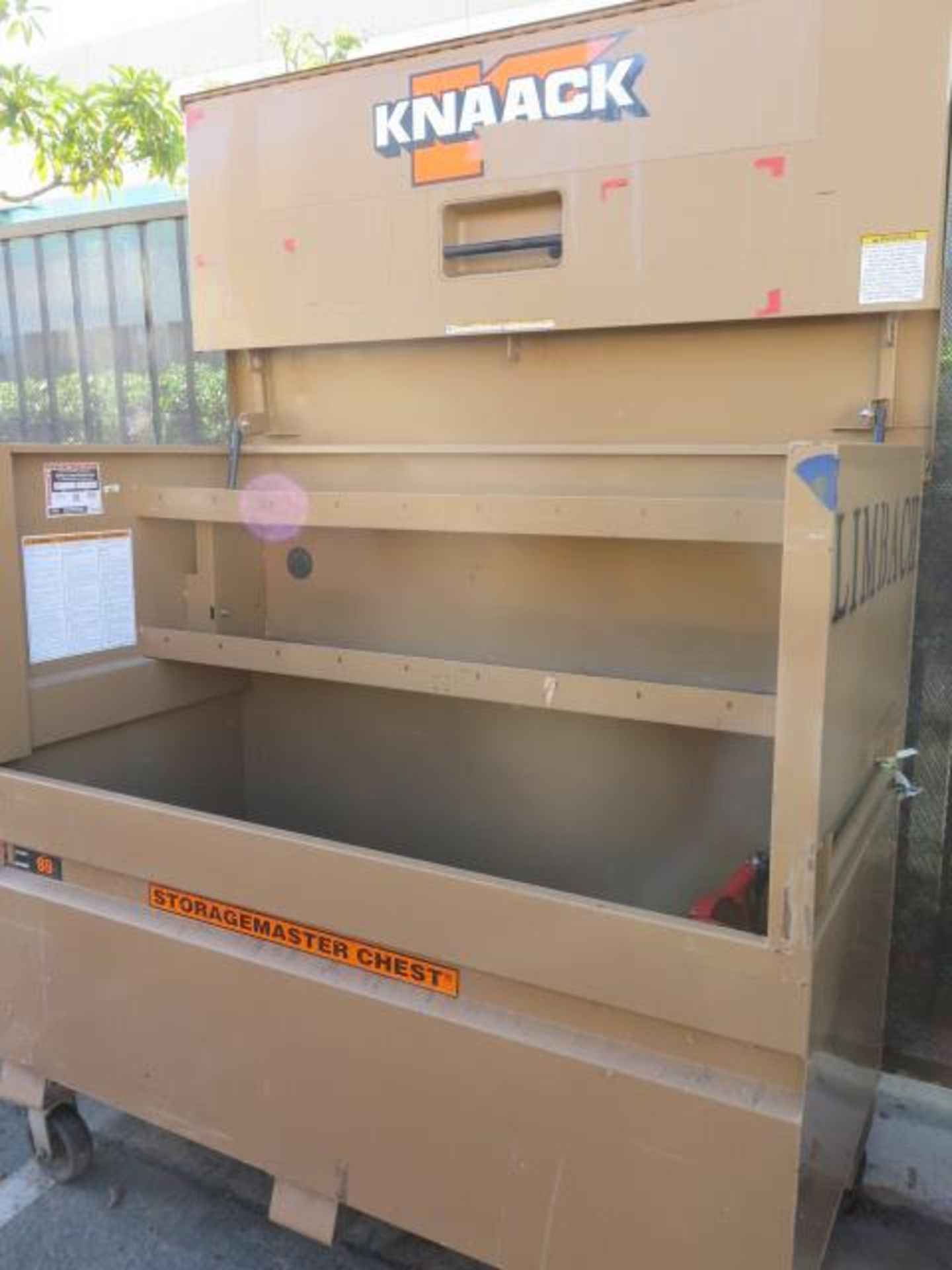 Knaack mdl. 89 Storagemaster Rolling Job Box w/ Ridgid Tri-Stands (SOLD AS-IS - NO WARRANTY) - Image 5 of 11