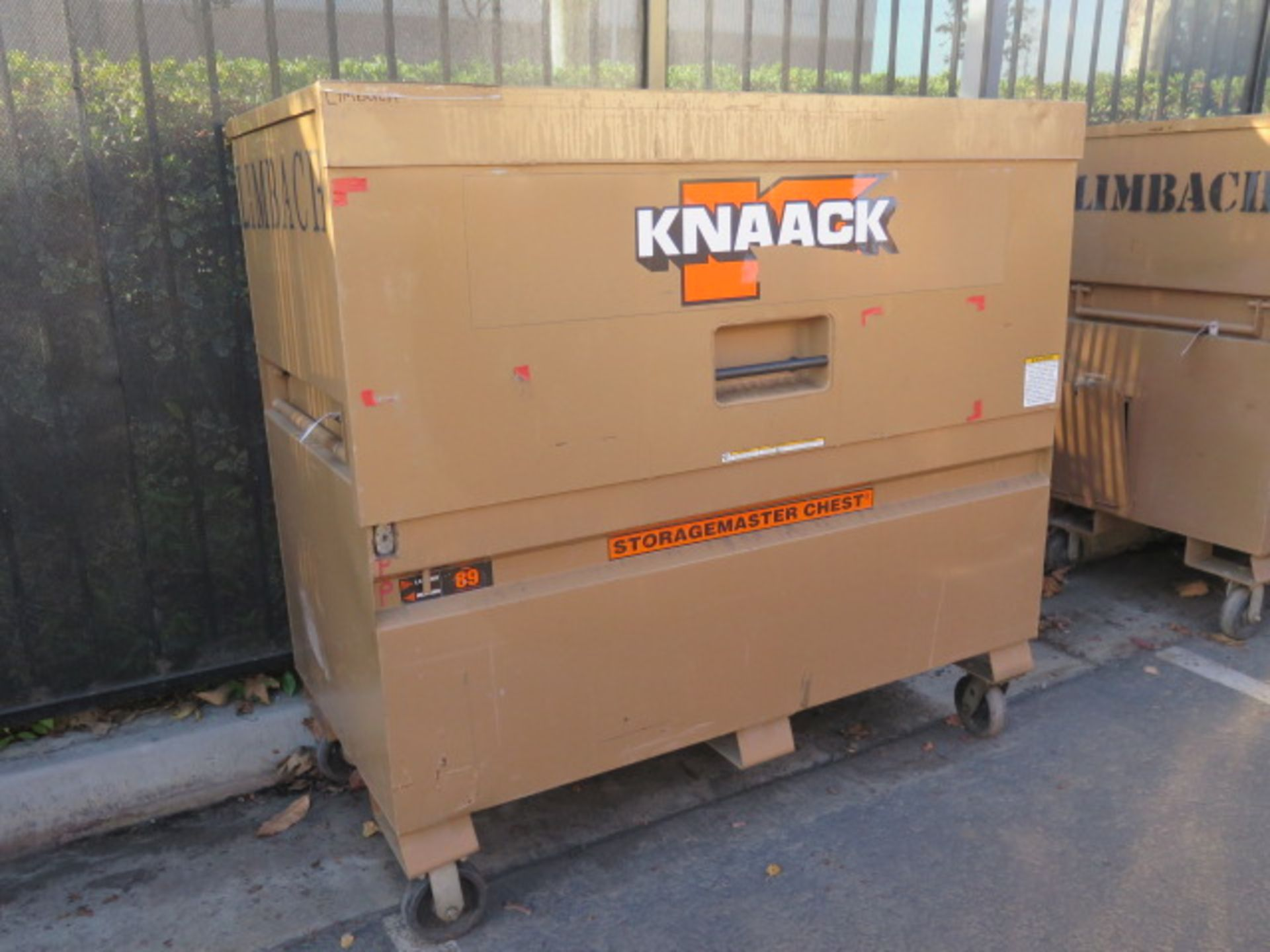 Knaack mdl. 89 Storagemaster Rolling Job Box w/ Ridgid Tri-Stands (SOLD AS-IS - NO WARRANTY)