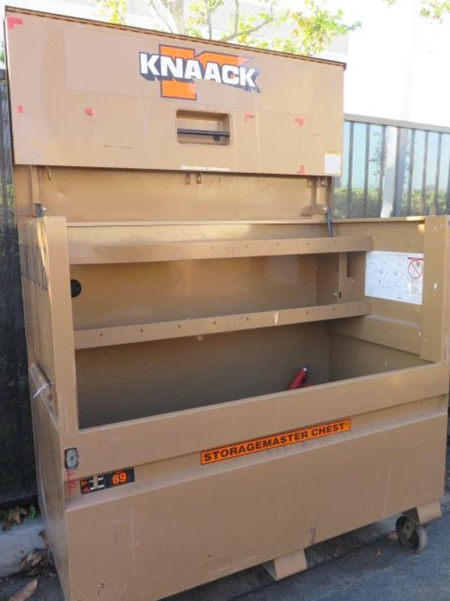 Knaack mdl. 89 Storagemaster Rolling Job Box w/ Ridgid Tri-Stands (SOLD AS-IS - NO WARRANTY) - Image 4 of 11