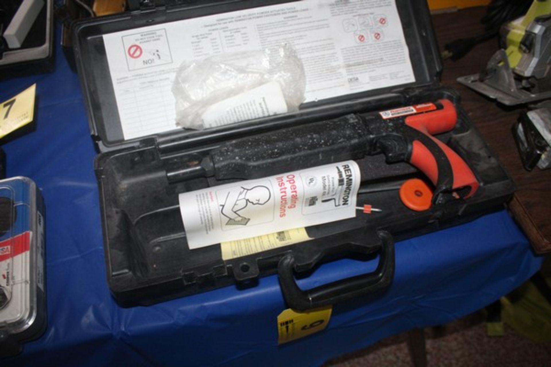RAMSET MODEL 70902466 POWDER FASTENING TOOL WITH CASE