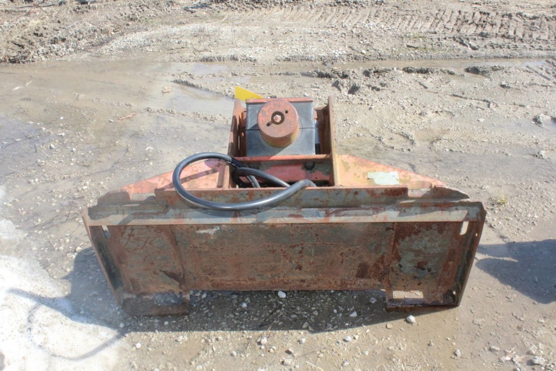 CONTECH H-220 HYDRAULIC BREAKER ATTACHMENT S/N: 86010, BIT, TO FIT SKID STEER LOADER - Image 4 of 4