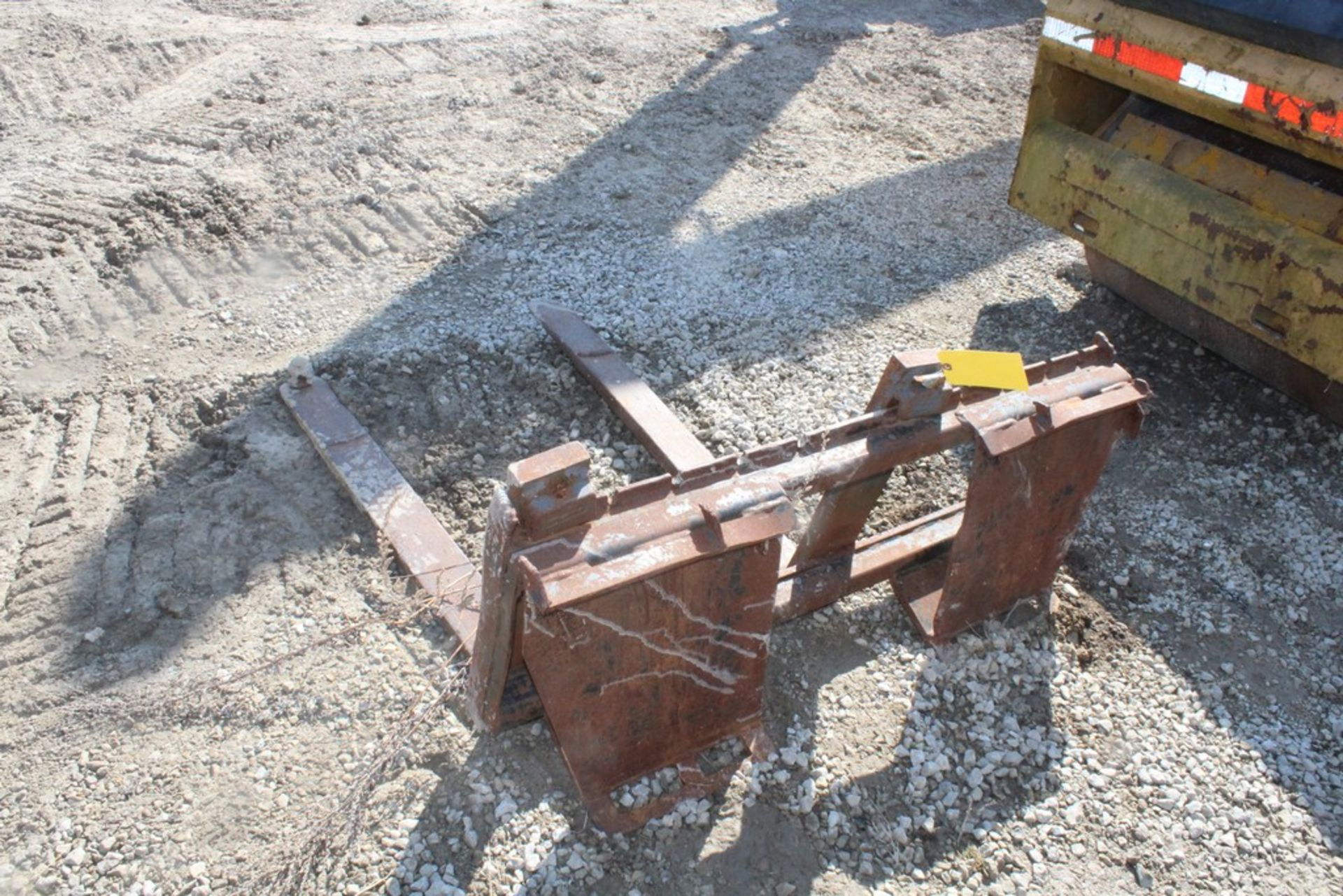 42-IN. FORK ATTACHMENT, 42-IN. FORKS, (1) BALL HITCH ON (1) FORK, TO IT SKID STEER LOADER - Image 4 of 4