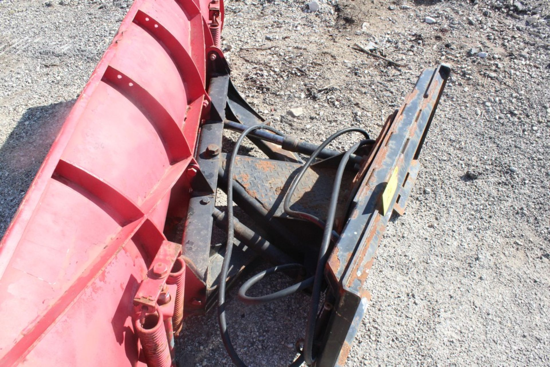 CUSTOM FABRICATED 96-IN. BOLT-TOGETHER HYDRAULIC SNOW PLOW ATTACHMENT, 96-IN. BLADE, TO FIT SKID - Image 3 of 4