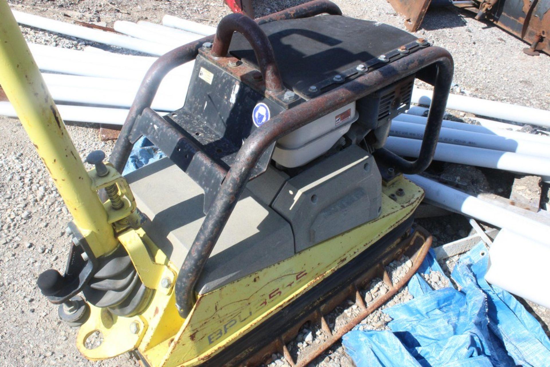 2005 WACKER MODEL BPU3545A REVERSIBLE VIBRATORY PLATE COMPACTOR S/N: 1565711 (2007), HONDA GX270 ( - Image 2 of 3