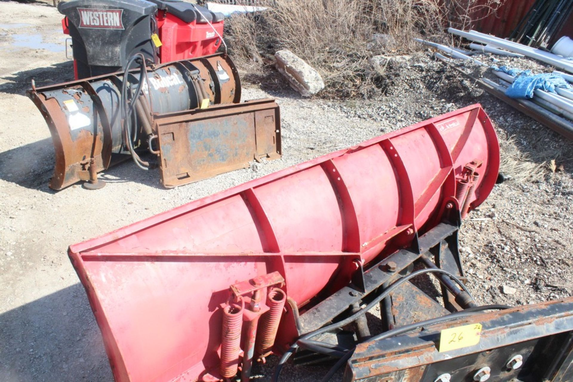 CUSTOM FABRICATED 96-IN. BOLT-TOGETHER HYDRAULIC SNOW PLOW ATTACHMENT, 96-IN. BLADE, TO FIT SKID - Image 2 of 4