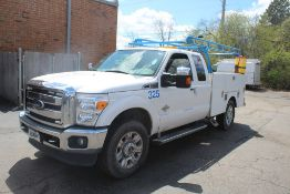 2015 FORD F-350 LARIAT SUPER DUTY EXTENDED CAB 4 X 4 UTILITY TRUCK VIN: 1FT8X3BT8FED26342 (2015) 6.
