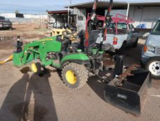 JOHN DEERE TRACTOR 1025R; AUGER ATTACHED, BUCKET, GANON W/ RIPPER PIN: 7LV1025RCFH321503