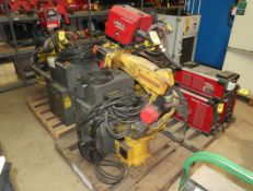 FANUC ROBOT ARC MATE 100I W/ LINCOLN 4R220 AUTODRIVE, LINCOLN COOL ARC 55 COOLER, LINCOLN R350