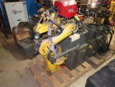 FANUC ROBOT ARC MATE 100I W/ LINCOLN 4R220 AUTODRIVE, LINCOLN R350 POWERWAVE